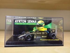 Lotus Renault 98T (Escala 1:43)
