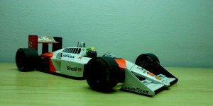 McLaren Honda MP4/4 (Escala 1:18)