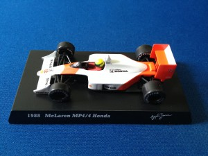 McLaren Honda MP4/4 (Escala 1:64)