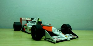 McLaren Honda MP4/5 (Escala 1:18)