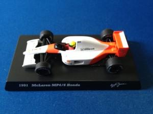 McLaren Honda MP4/6 (Escala 1:64)