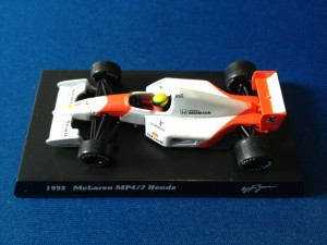 McLaren Honda MP4/7 (Escala 1:64)