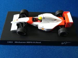 McLaren Ford MP4/8 (Escala 1:64)